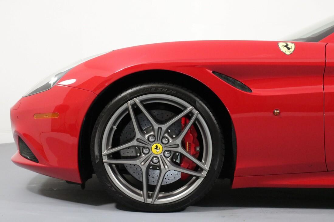 2017 Ferrari  California T image _61580547dec903.78597925.jpg