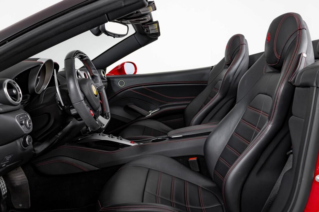 2017 Ferrari  California T image _615954f8adcd46.34027392.jpg