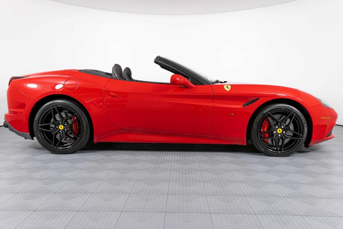 2017 Ferrari  California T image _615954fdc9e544.91634343.jpg