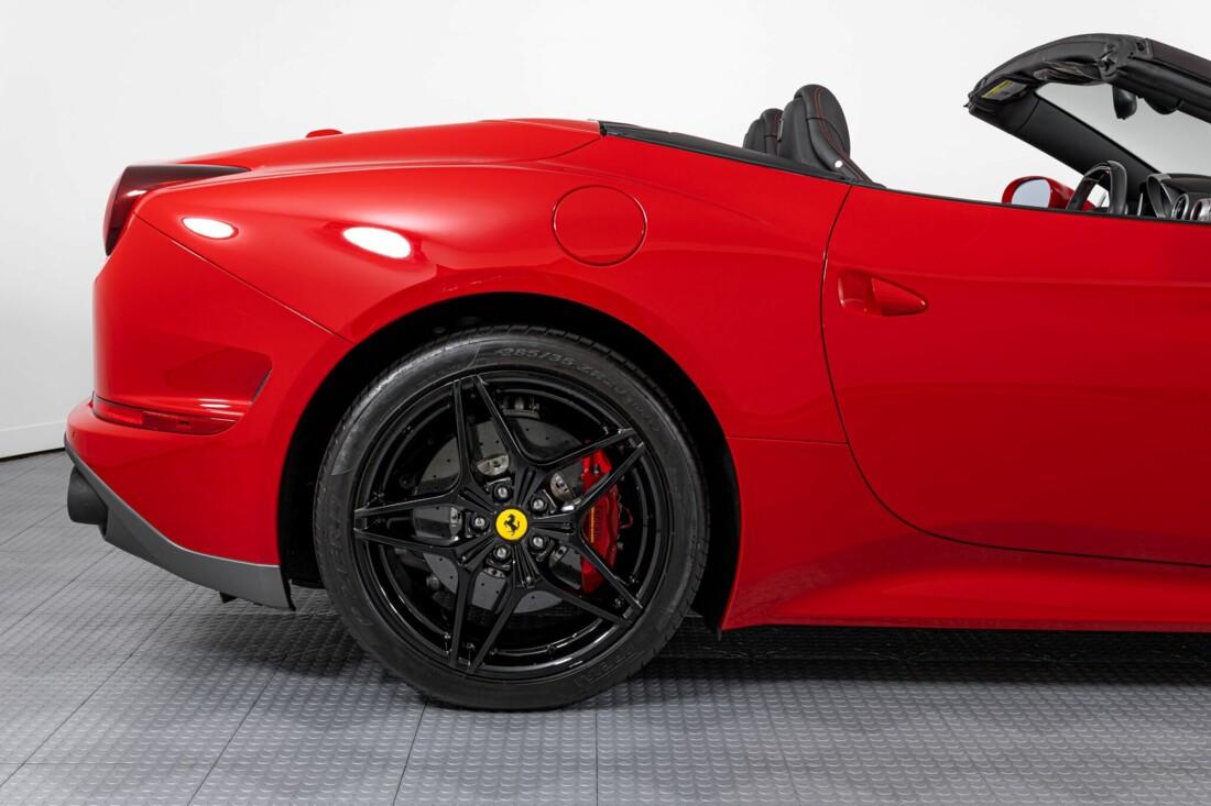 2017 Ferrari  California T image _615954febbeda6.36551543.jpg