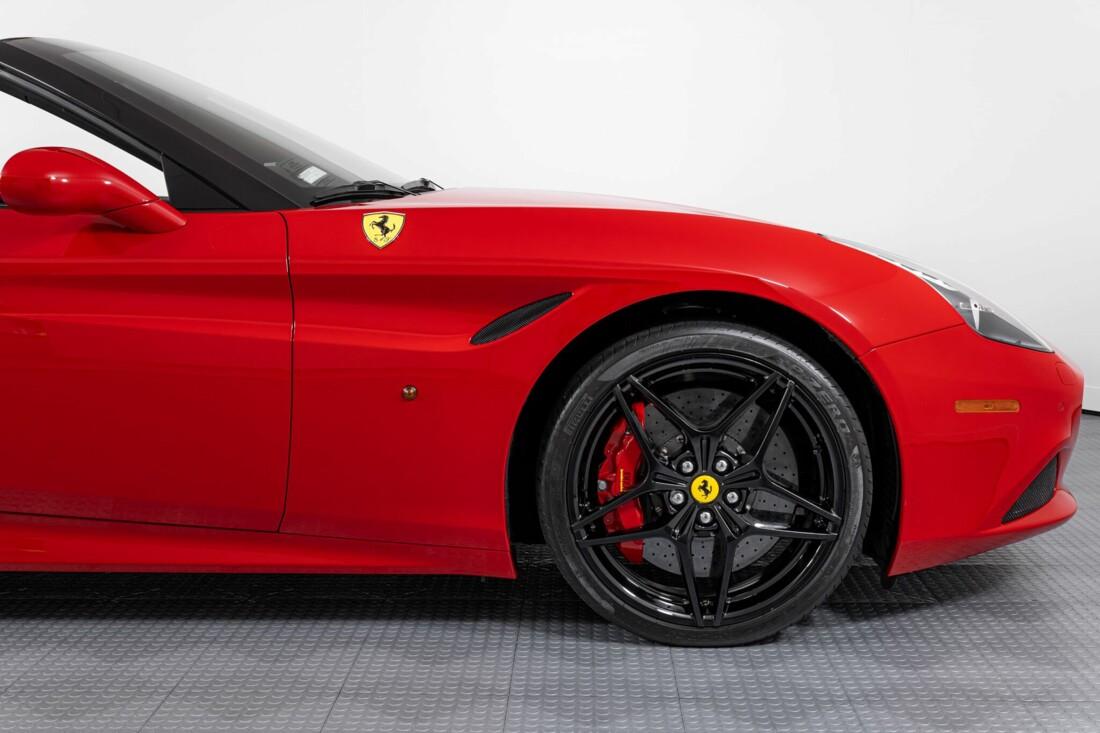 2017 Ferrari  California T image _615954ffbca113.35432033.jpg