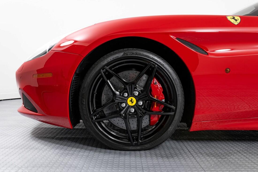 2017 Ferrari  California T image _6159550191afe4.20922587.jpg