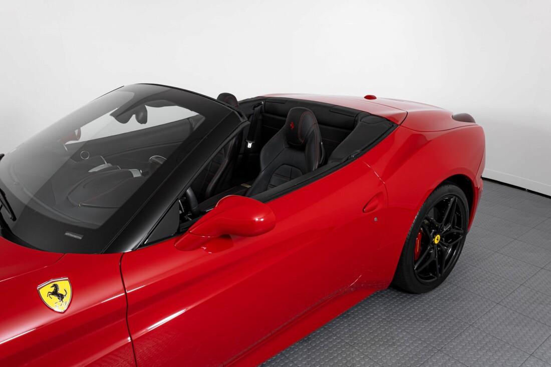 2017 Ferrari  California T image _6159550eb78cf8.97696507.jpg