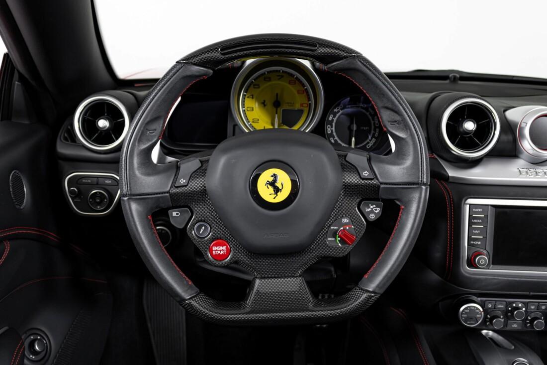 2017 Ferrari  California T image _615955144cfba8.58127189.jpg