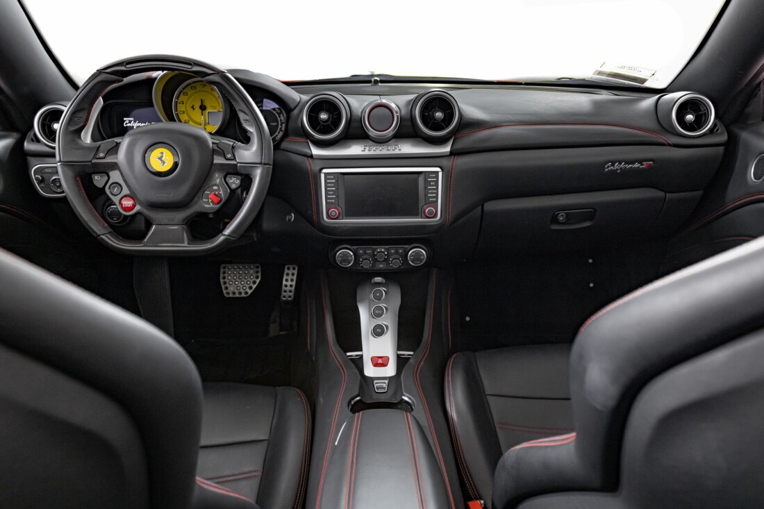2017 Ferrari  California T image _6159552457af28.00793197.jpg
