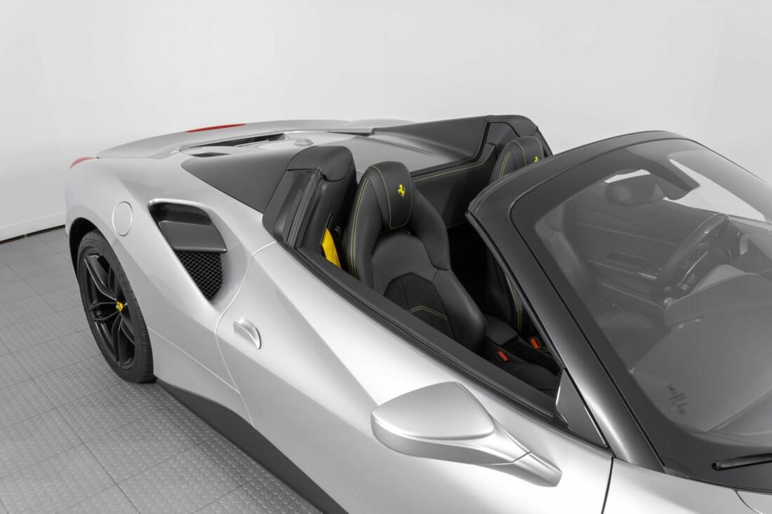 2018 Ferrari 488 Spider image _615955800bd452.80691433.jpg