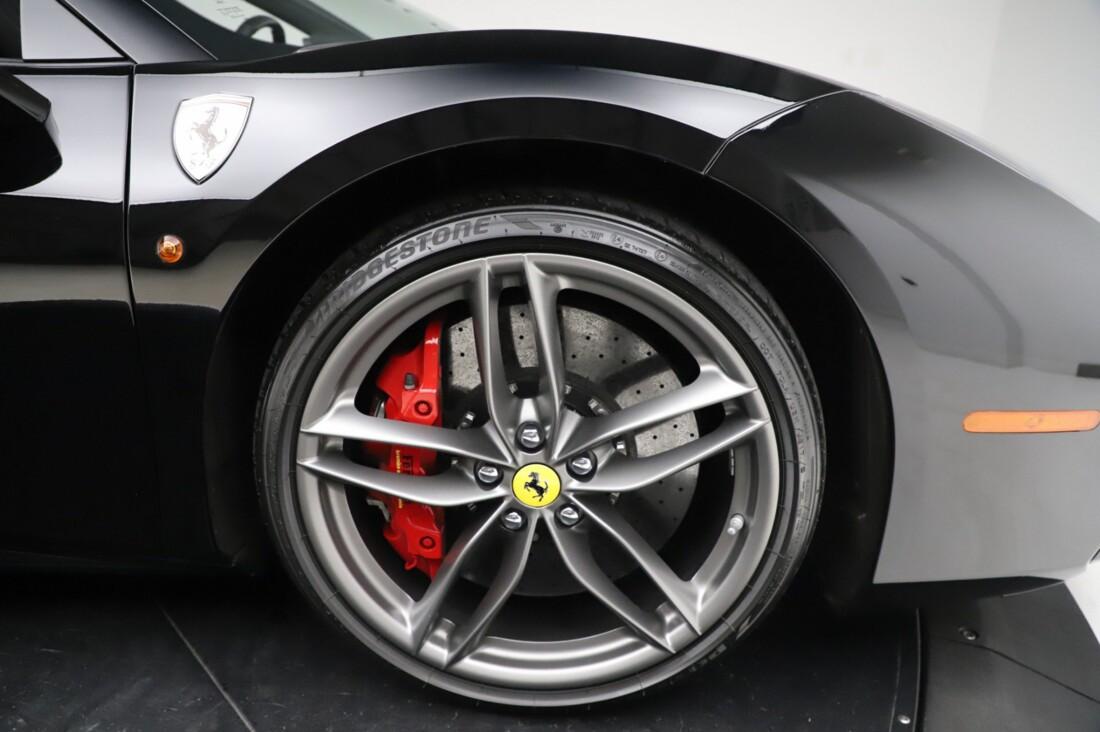 2018 Ferrari 488 Spider image _615956c6484d48.77476530.jpg