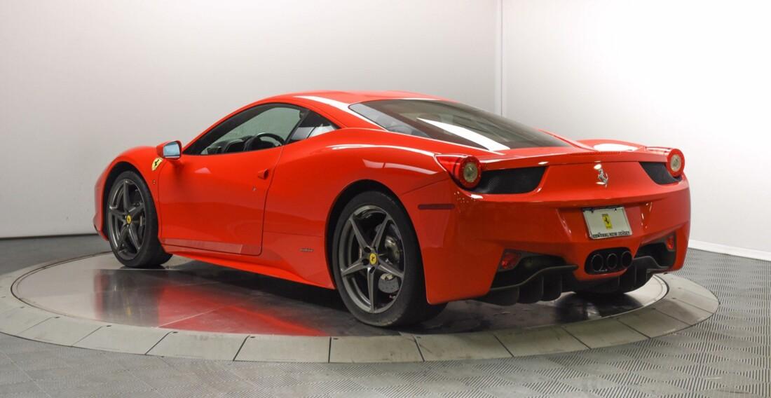 2013 Ferrari  458 Italia image _615956d3c10628.28569392.jpg