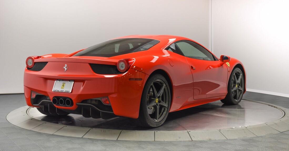 2013 Ferrari  458 Italia image _615956d50f9836.52666628.jpg