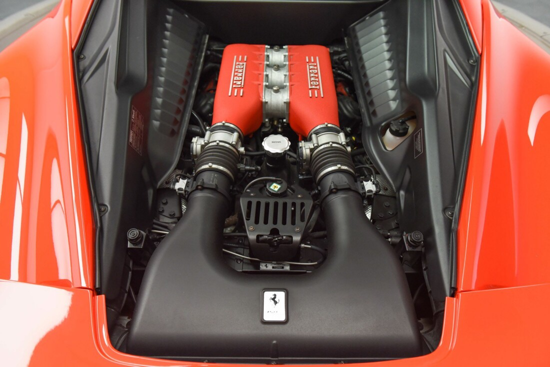 2013 Ferrari  458 Italia image _615956de6e19c6.44432900.jpg