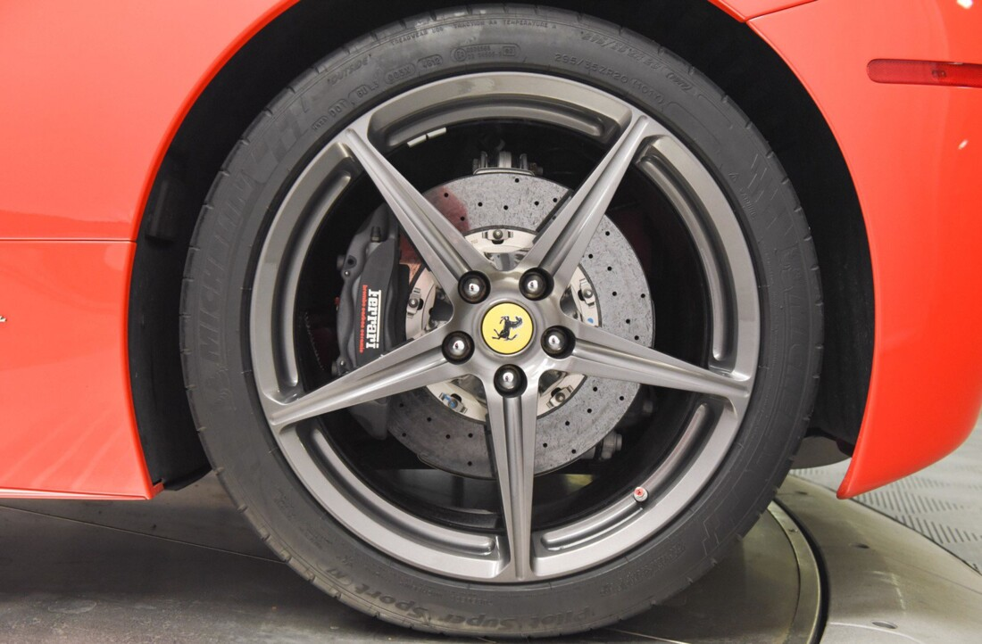2013 Ferrari  458 Italia image _615956e0b20605.49275969.jpg