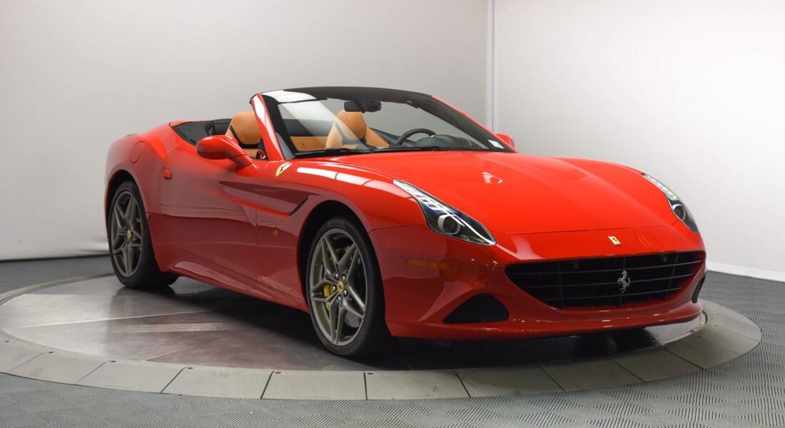 2017 Ferrari  California T image _6159570c886d94.21182930.jpg