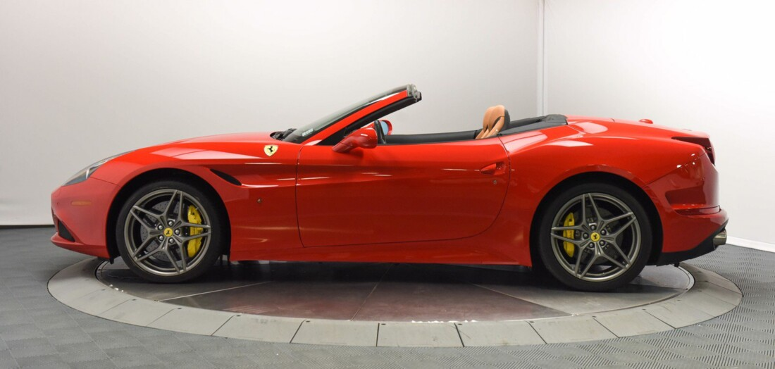 2017 Ferrari  California T image _6159570e7f9b75.91256366.jpg