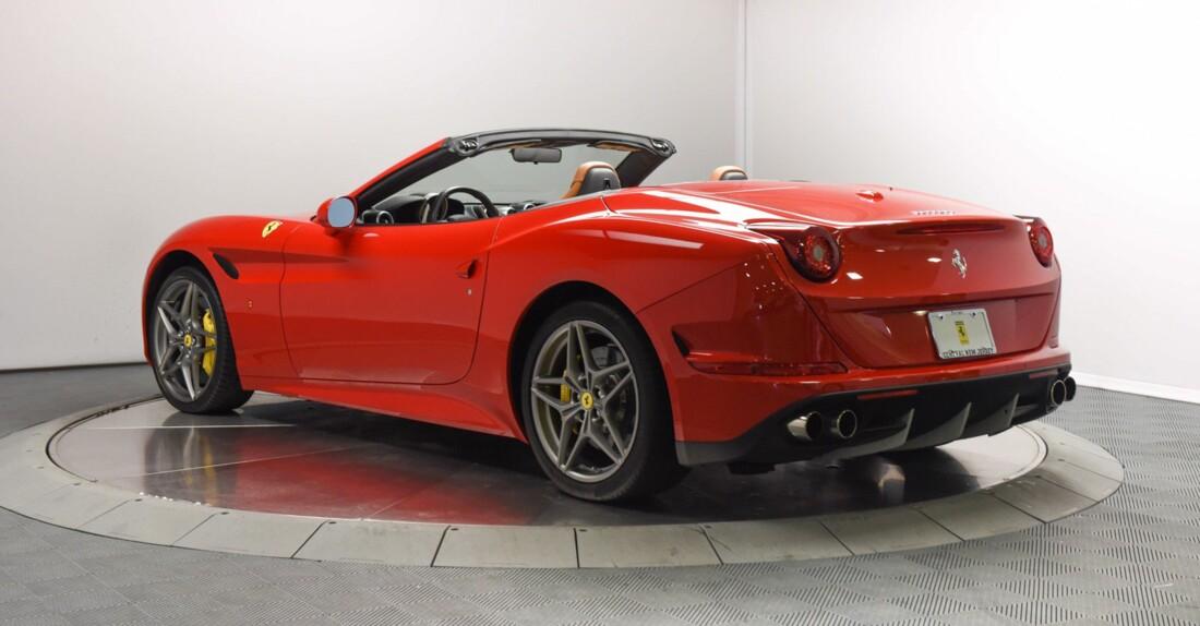 2017 Ferrari  California T image _6159570f2c5c55.23031376.jpg