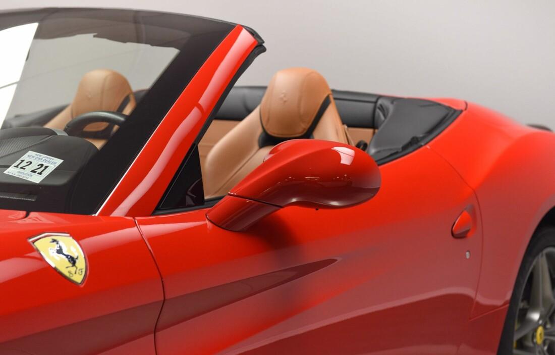 2017 Ferrari  California T image _615957139ab263.99015792.jpg