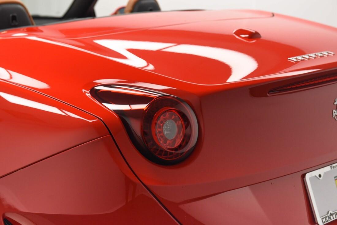 2017 Ferrari  California T image _615957146396d0.70589417.jpg