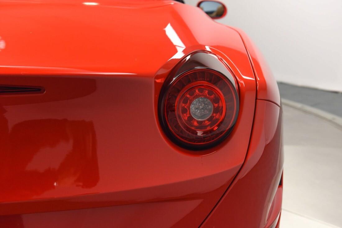 2017 Ferrari  California T image _61595717753526.38883688.jpg