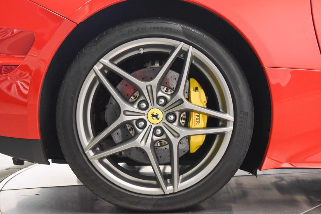 2017 Ferrari  California T image _6159571f441f78.42635755.jpg
