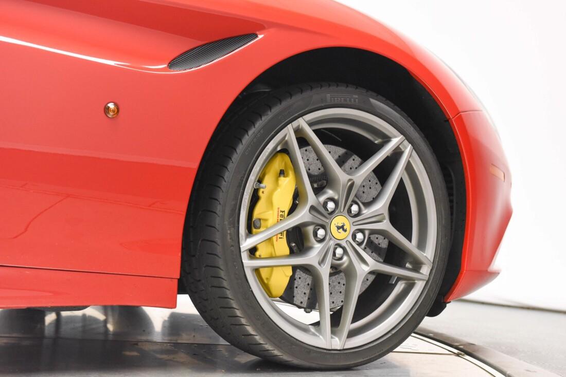 2017 Ferrari  California T image _615957221c3d99.09178175.jpg