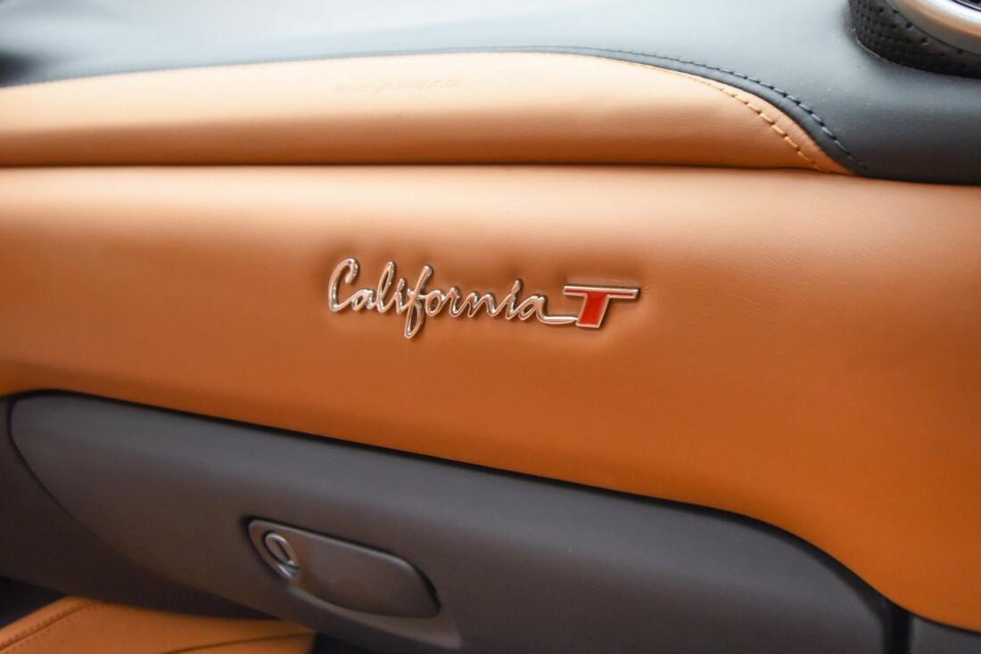 2017 Ferrari  California T image _61595732259092.18951580.jpg