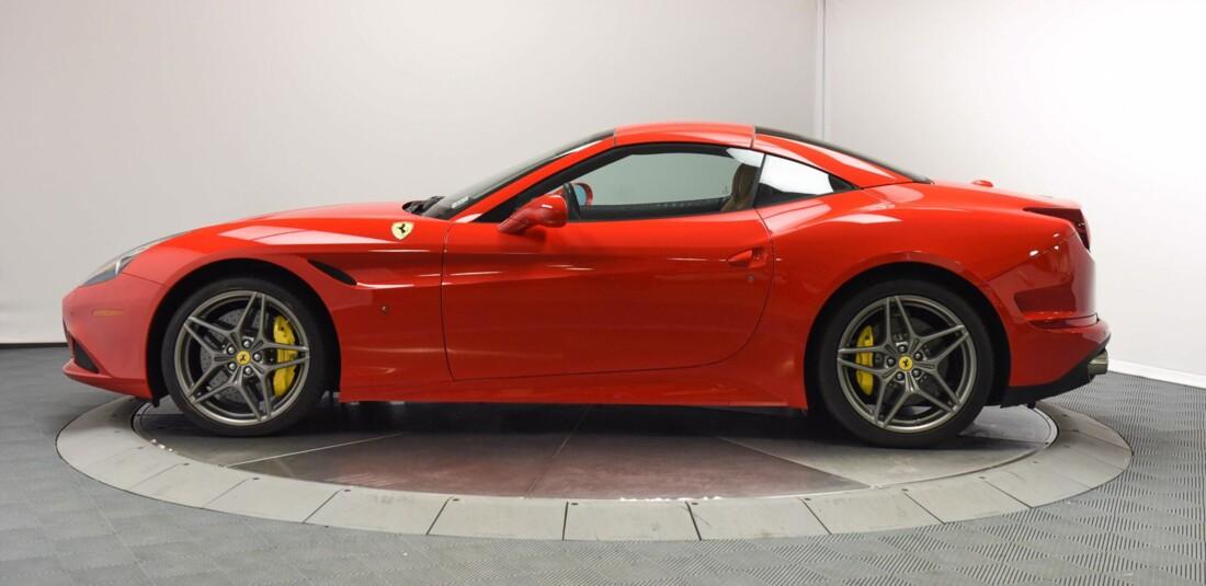 2017 Ferrari  California T image _6159573d556304.33936755.jpg