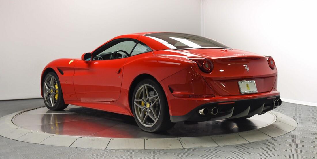 2017 Ferrari  California T image _6159573f8b47f0.03968909.jpg