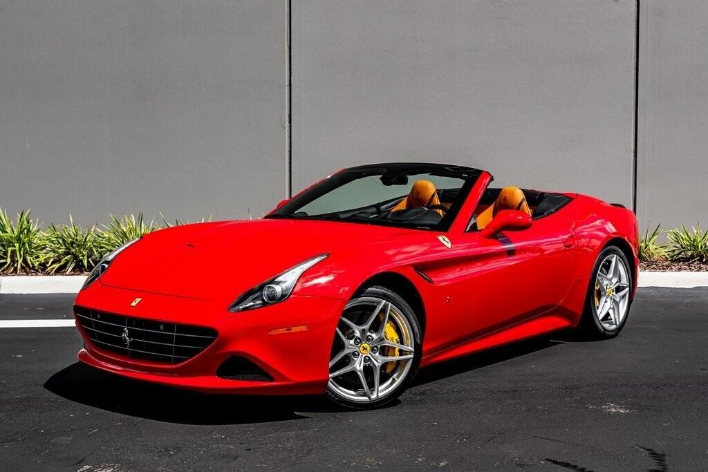 2017 Ferrari  California T image _615aa68683e766.50840218.jpg