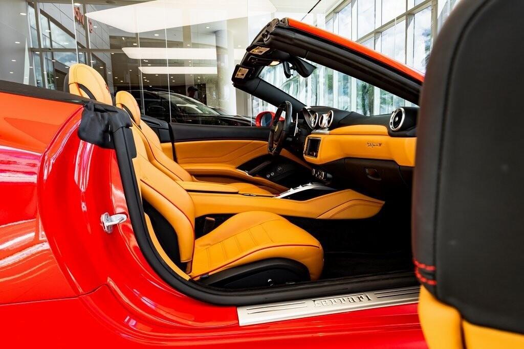2017 Ferrari  California T image _615aa68cd0b776.81588476.jpg