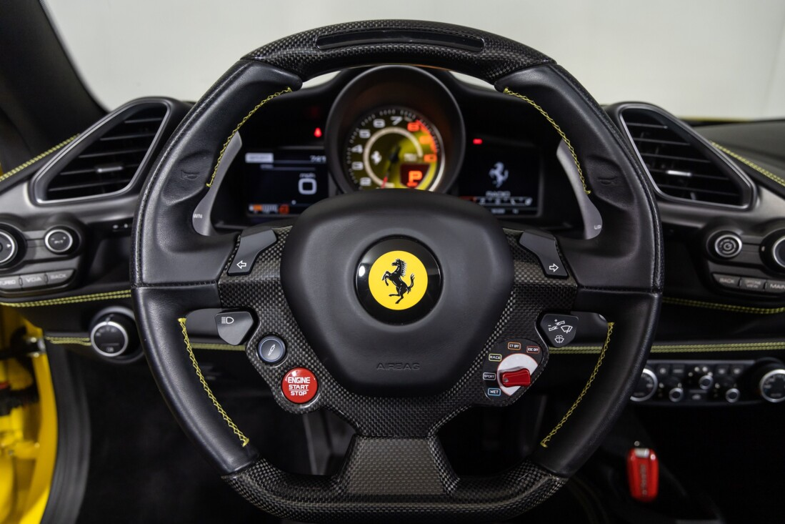 2016 Ferrari 488 Spider image _615d4a0295b7f4.42500670.jpg