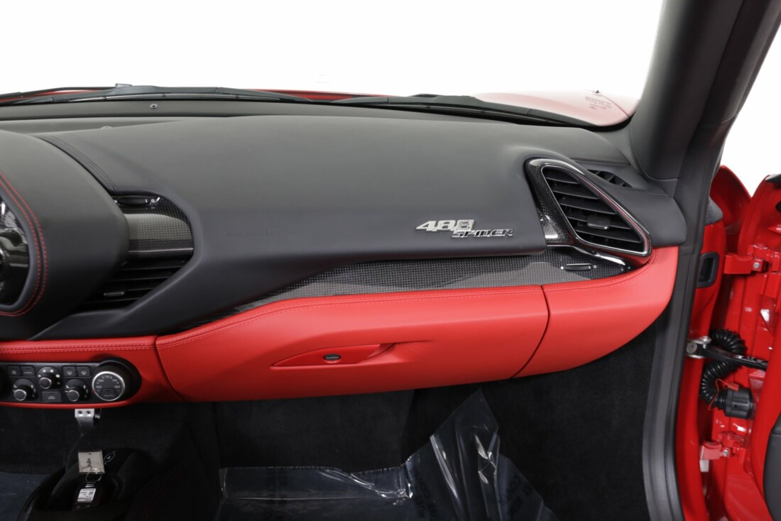2018 Ferrari 488 Spider image _615d4b56ada911.21888350.jpg