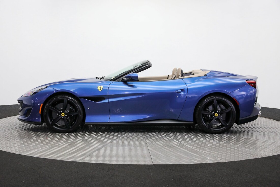 2019 Ferrari  Portofino image _615d5a6c9bcec6.45629399.jpg