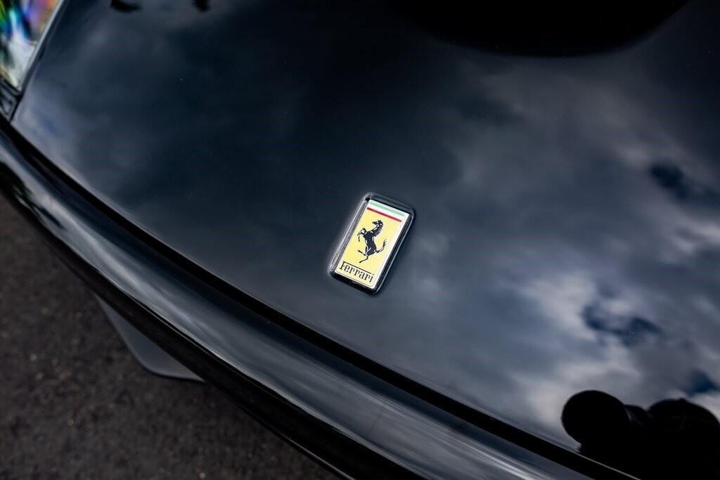 2001 Ferrari 550 Barchetta Pininfarina image _615d5aa49ca868.33167318.jpg