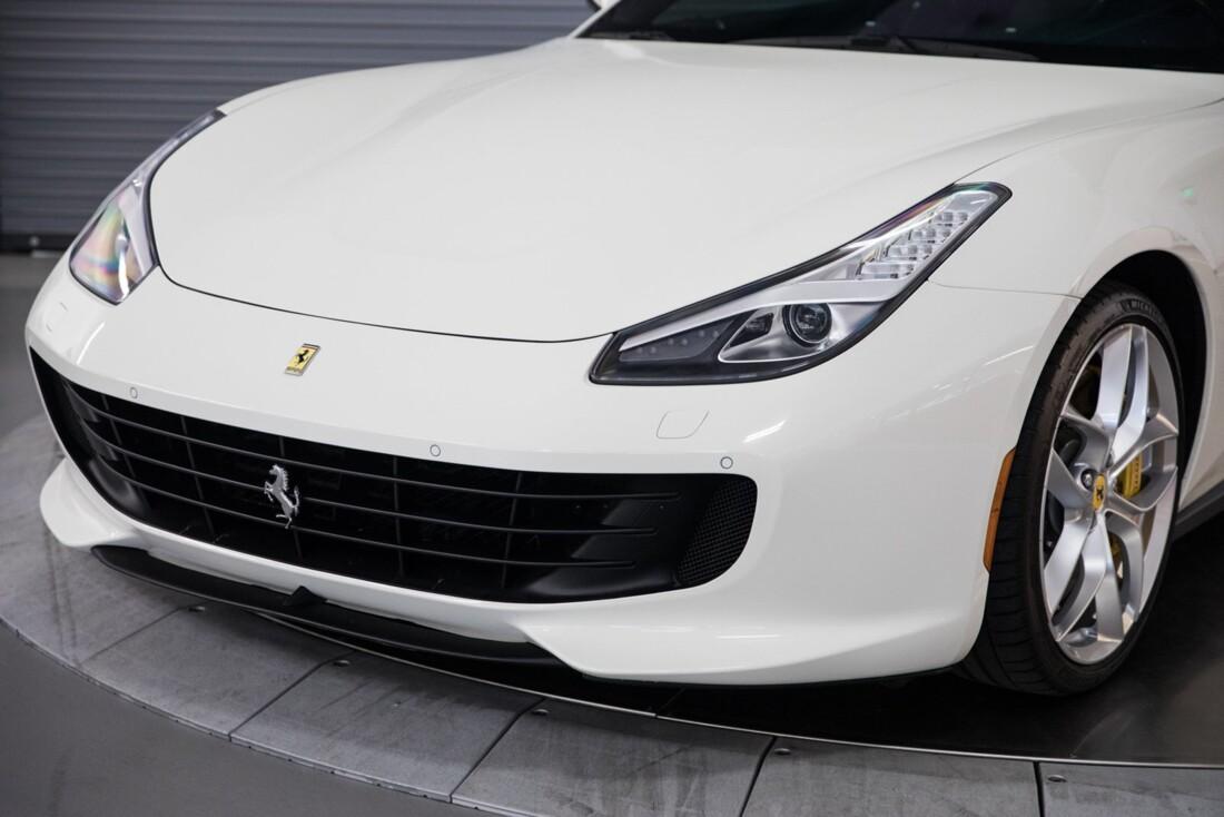 2018 Ferrari GTC4Lusso T image _615e9b111f4da5.22038065.jpg