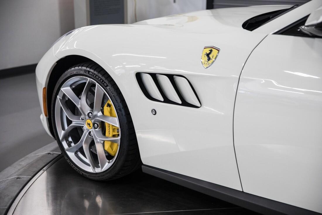 2018 Ferrari GTC4Lusso T image _615e9b12de05a5.52600442.jpg