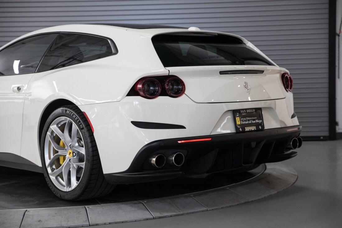 2018 Ferrari GTC4Lusso T image _615e9b155d6d29.36029360.jpg