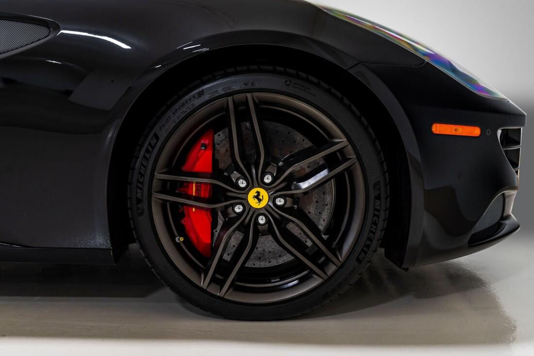 2015 Ferrari FF image _615e9b67f0c367.60820930.jpg