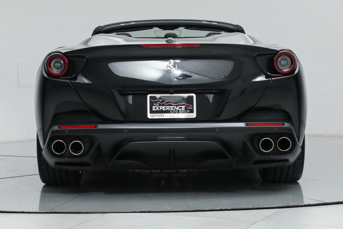 2019 Ferrari  Portofino image _615e9b7ed93179.60360772.jpg