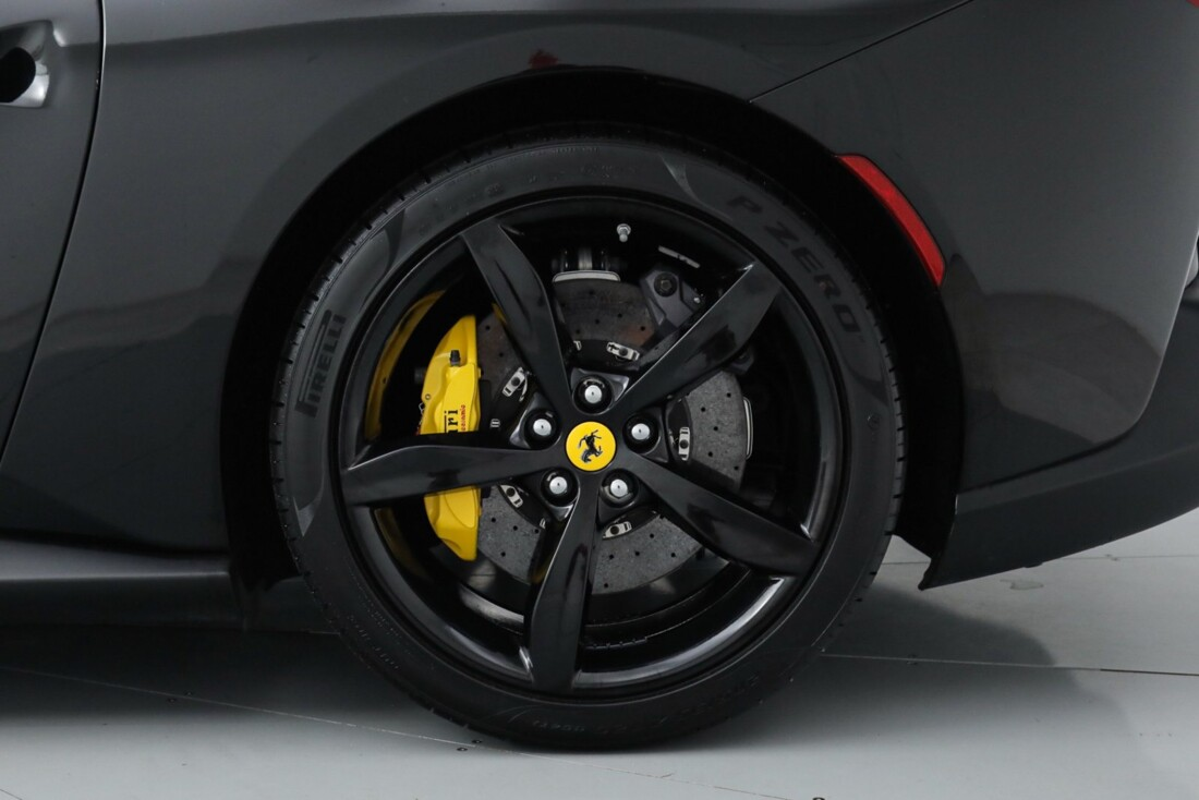 2019 Ferrari  Portofino image _615e9b9b537628.42813881.jpg