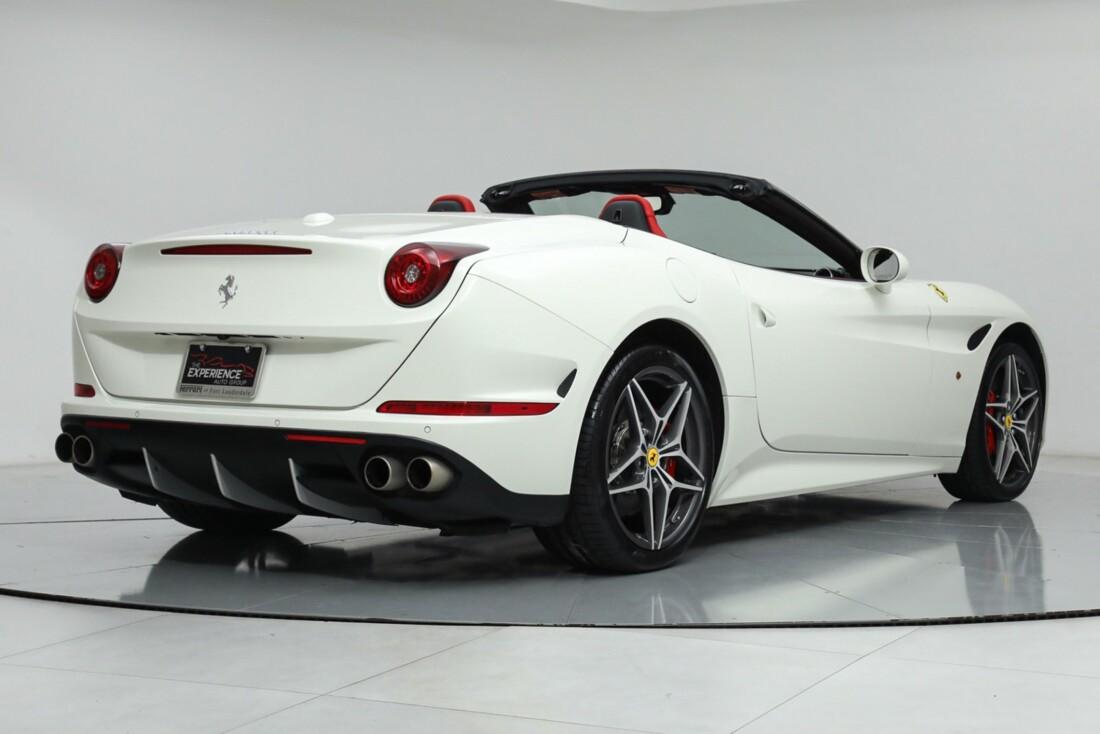 2015 Ferrari  California image _615e9b9e0da2b3.77801157.jpg
