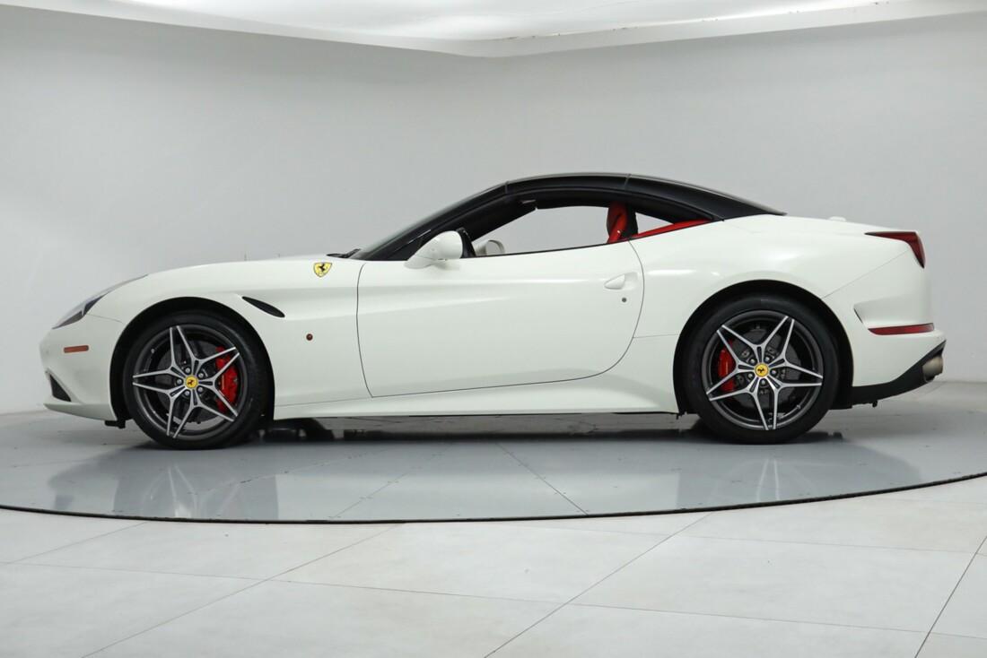 2015 Ferrari  California image _615e9ba1dcaa19.52944511.jpg