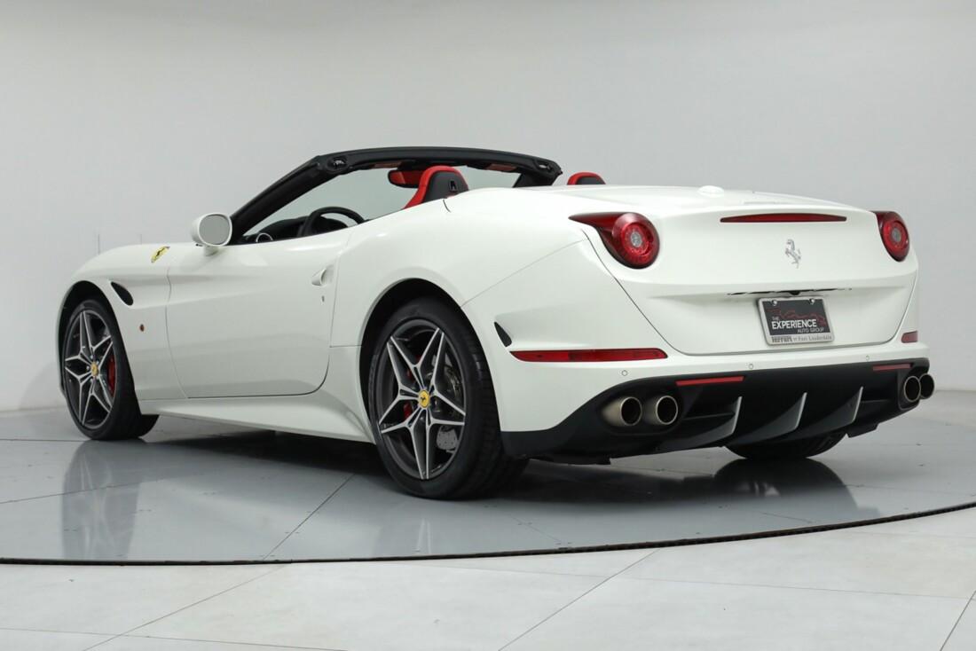 2015 Ferrari  California image _615e9ba2ad8c63.53932836.jpg