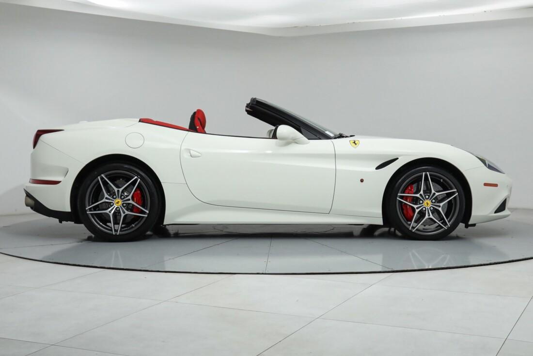 2015 Ferrari  California image _615e9ba48d9ea0.86168306.jpg