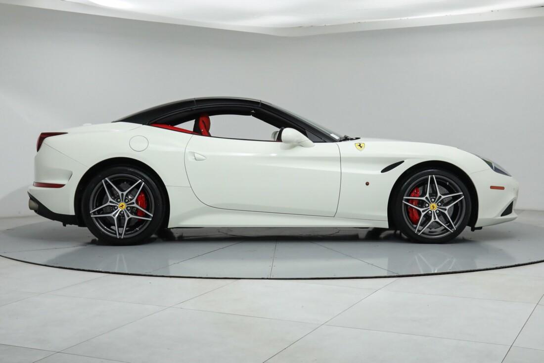 2015 Ferrari  California image _615e9ba5292944.18724258.jpg