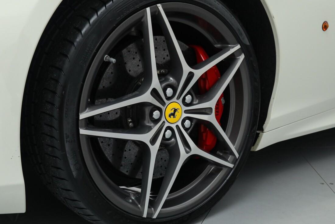 2015 Ferrari  California image _615e9bb3850224.15351198.jpg