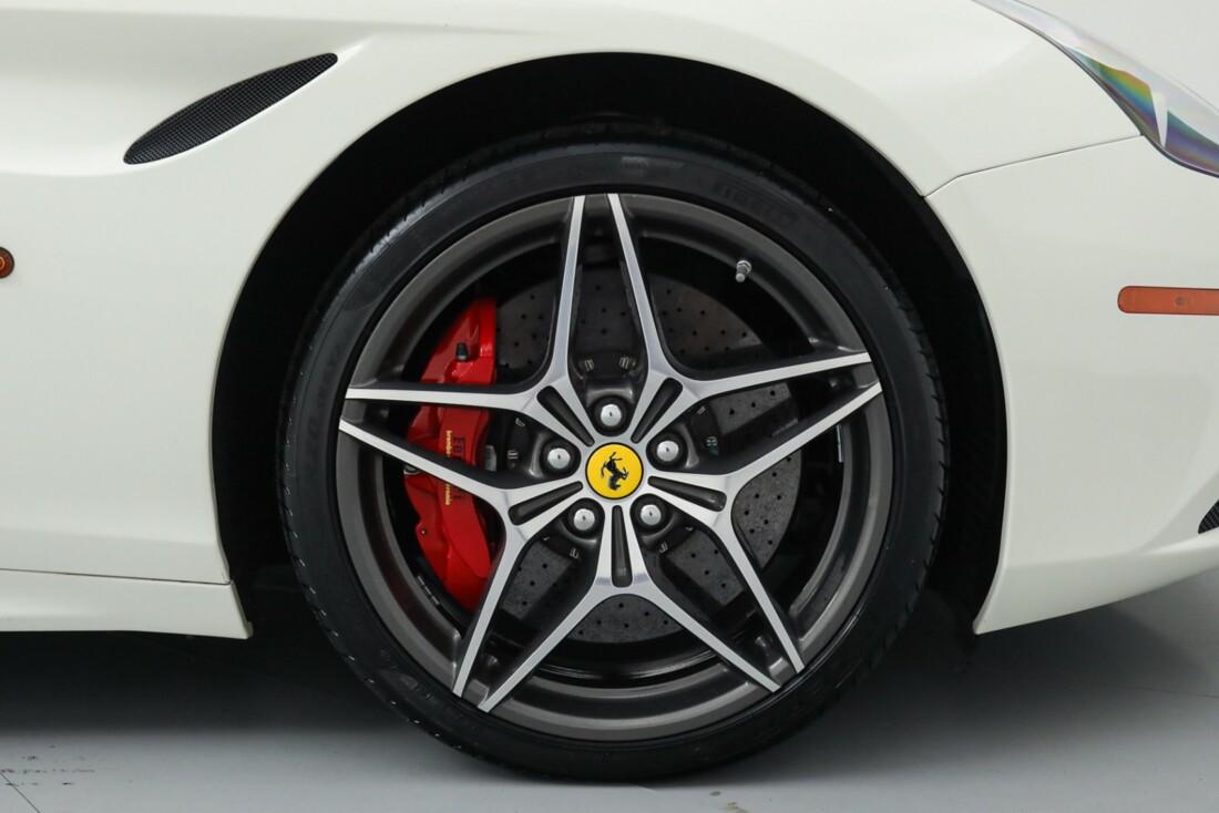 2015 Ferrari  California image _615e9bcf57e0a8.23648064.jpg