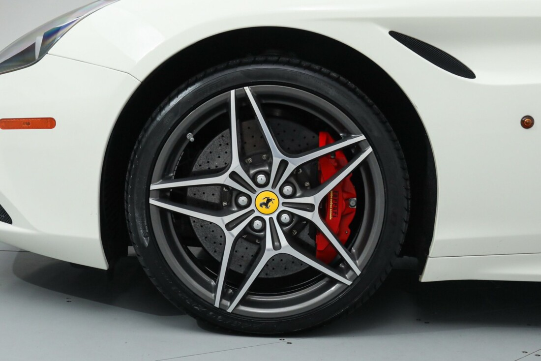 2015 Ferrari  California image _615e9bd0ea30e9.87745322.jpg