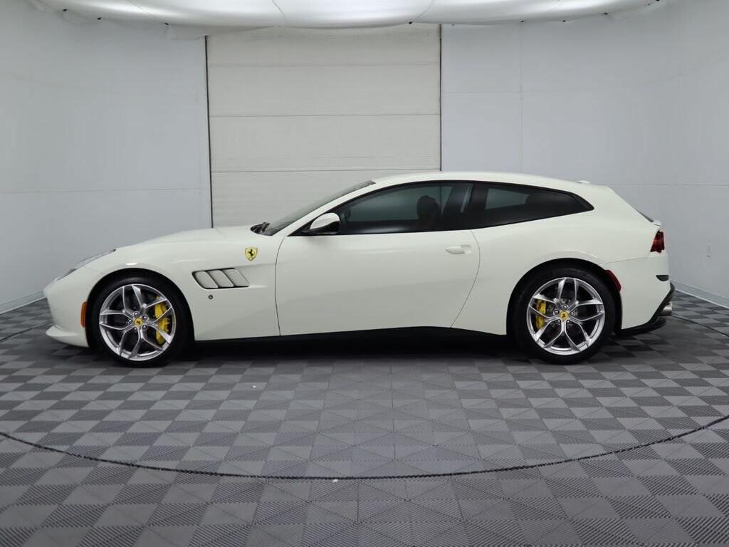 2018 Ferrari GTC4Lusso T image _615e9cc6acbaf3.70988862.jpg