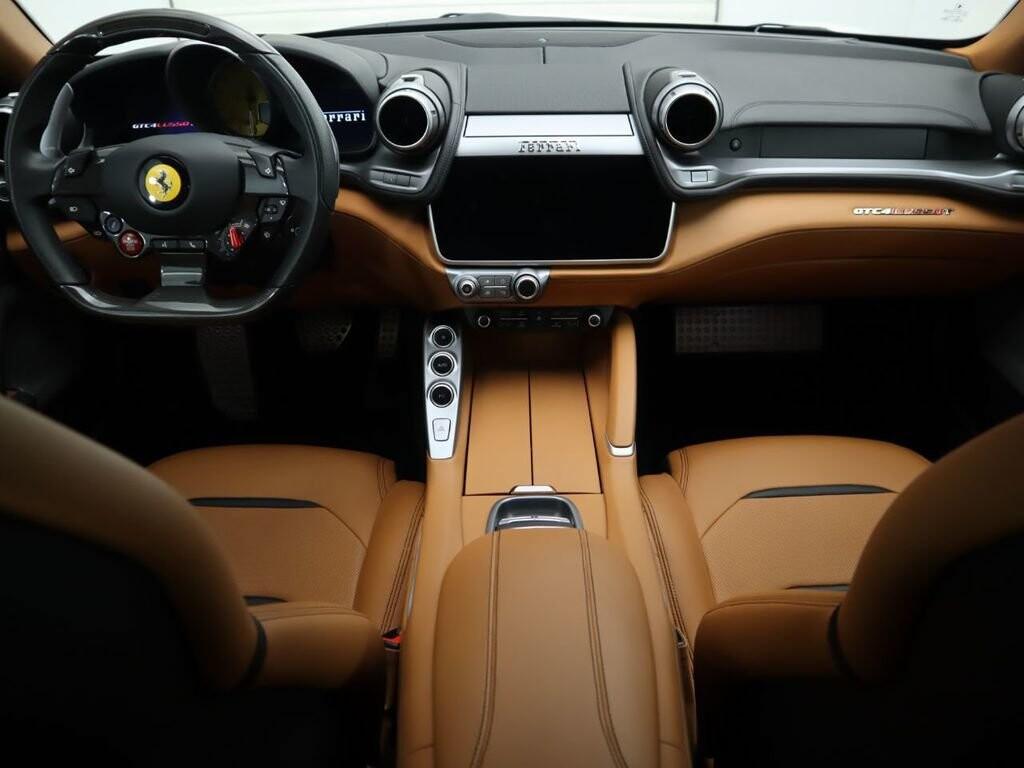 2018 Ferrari GTC4Lusso T image _615e9cc912a427.95964508.jpg