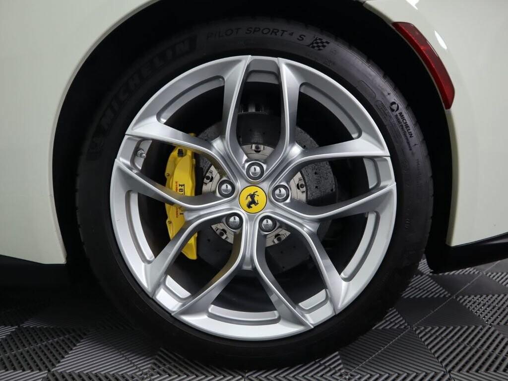 2018 Ferrari GTC4Lusso T image _615e9cd208c5f7.97551680.jpg