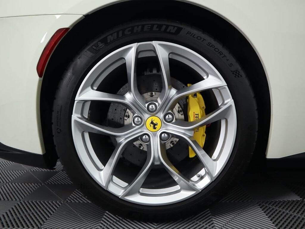 2018 Ferrari GTC4Lusso T image _615e9cd2704436.01996560.jpg